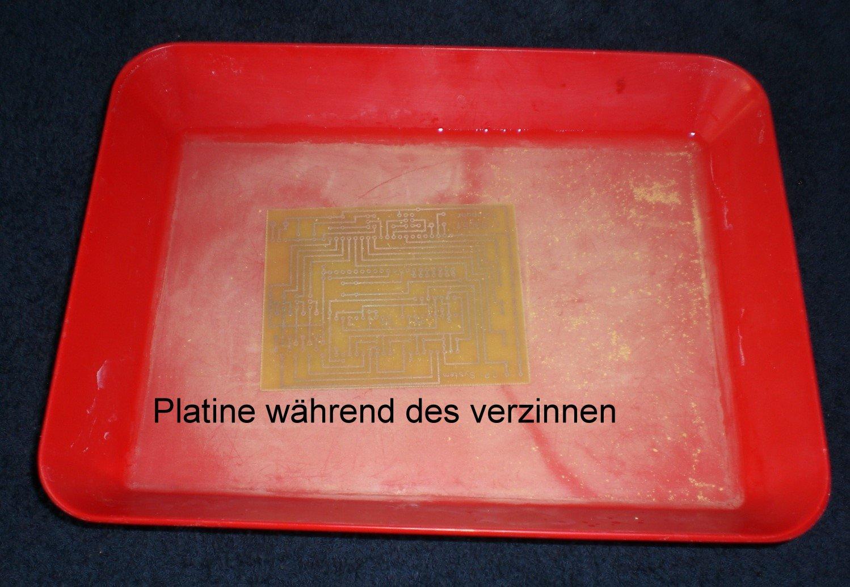 Platine während des verzinnen